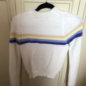 Forever 21 sweater size small.